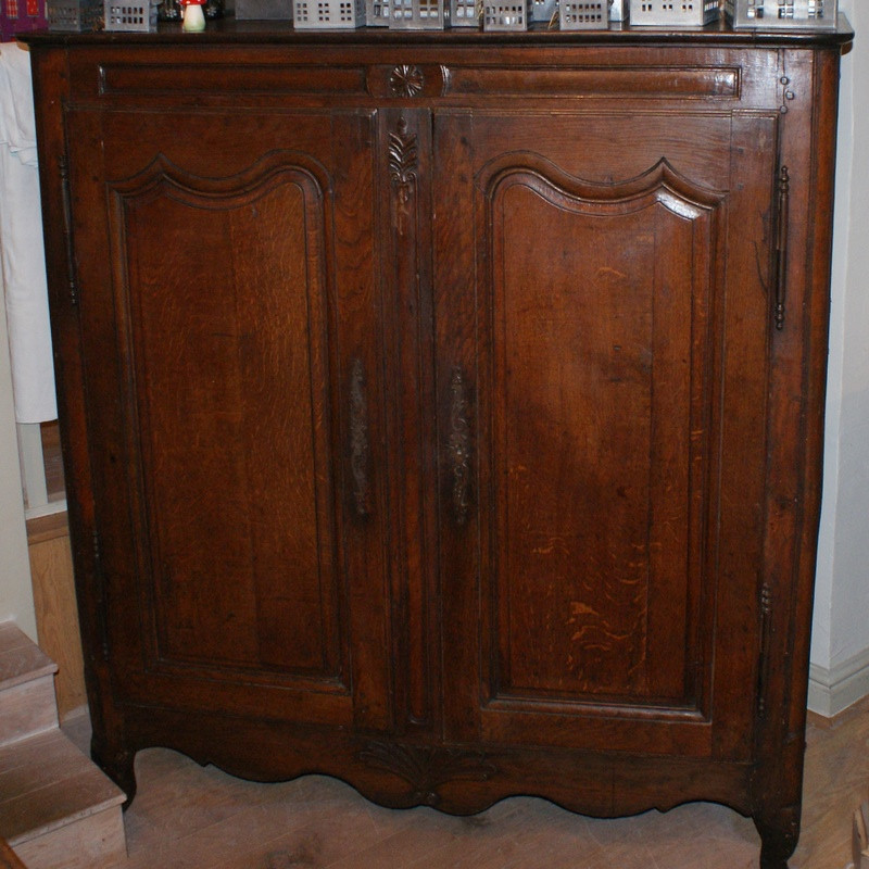 18thC French Oak Linen Cupboard