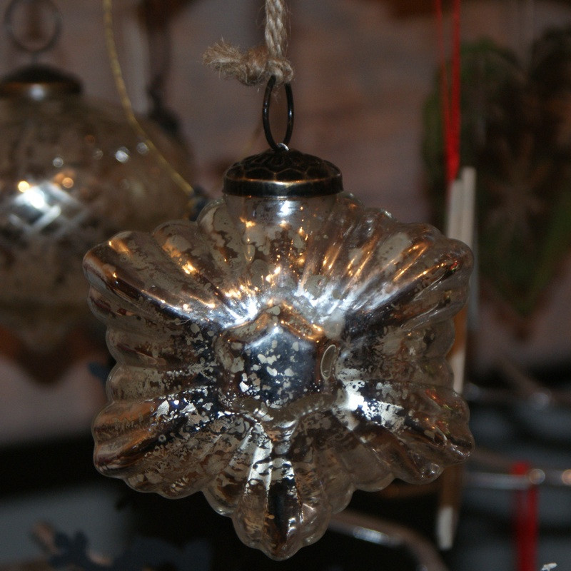 Antiqued Silver Star Decoration